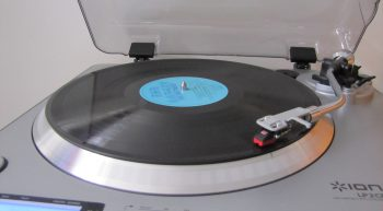 turntable-with-lp-record