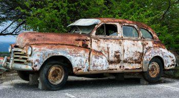 rusty-vintage-car-1493997666GHQ