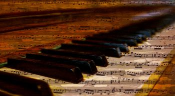 piano-keys-musical-notes (1)