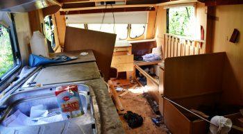 abandoned-campervan